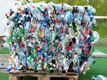 Tribune : Plastique : « Un nouvel élan écologique est à portée de main pour préserver notre environnement et notre santé. »